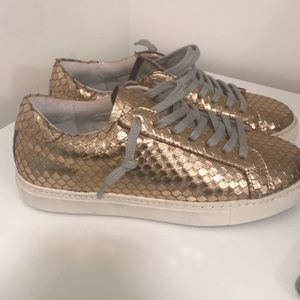 Steve Madden Rose Gold Scale Sneakers! OFFERS!!